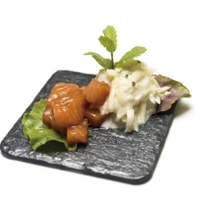 Tzatziki de manzana y salmón marinado