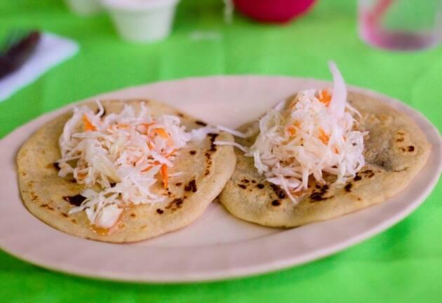 Pupusa, la tortilla centroamericana de moda