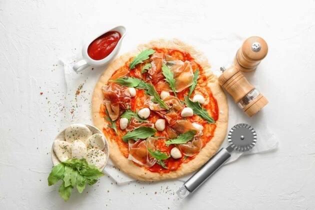 9 recetas originales  de pizza: ¡te comerás hasta los bordes!