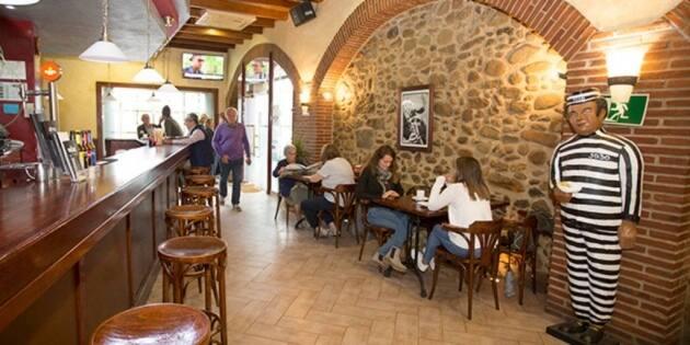 Bar La Presó, tapas, patatas bravas, bocadillos, hamburguesas, La Cellera de Ter, restaurantes Girona, magia, monólogos, títeres, bailes