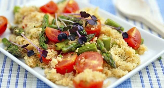 Tabulé, deliciosa y saludable ensalada mediterránea
