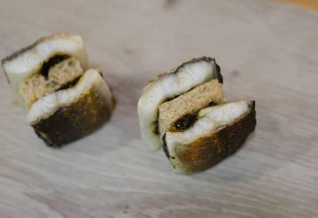 'Xapadillo' de anguila con alga nori y jengibre