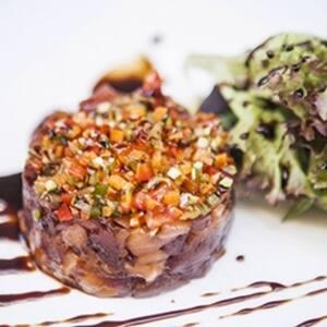 Recepta de tartar de tonyina i de salmó del restaurant Arcs