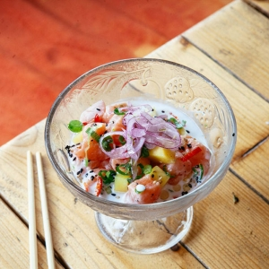 Ceviche de salmón thai