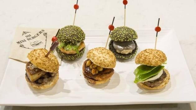 101 mini burgers