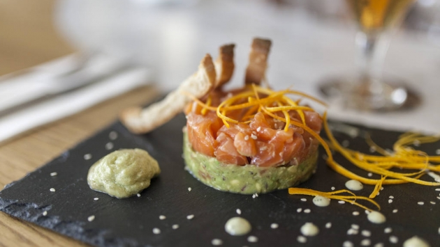 Casa Nova. Tartar de salmón y aguacate
