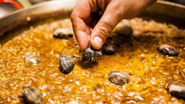 La Ribera, restaurantes Barcelona, dónde comer en Barcelona, tapas en Barcelona, paella de la Barceloneta, receta paella