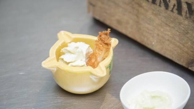 Galera, calçot rebozado con panko y mayonesa de wasabi