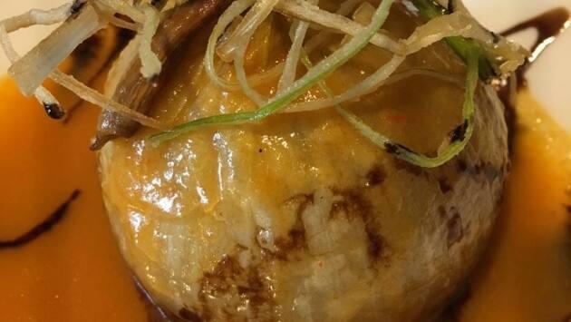 Cebolla rellena con bonito