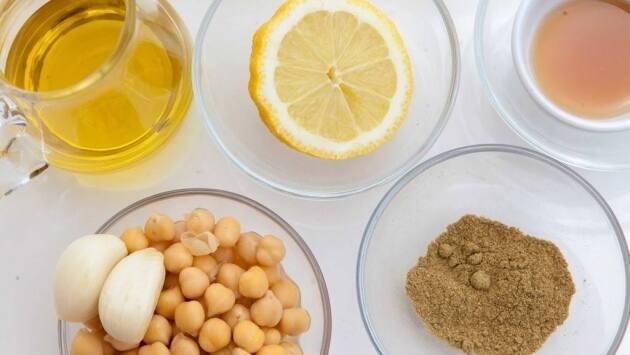 Ingredientes para el hummus.