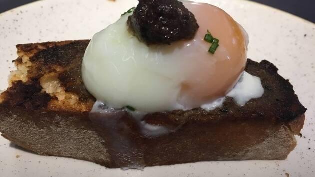Huevo confitado trufado