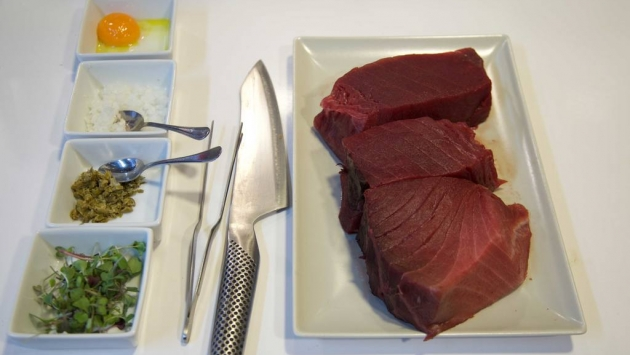 Ingredientes par el Tartar de Atún Rojo con Yema de Huevo de Corral y Espuma de Guacamole