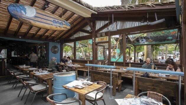 Ona Roses Beach Bar