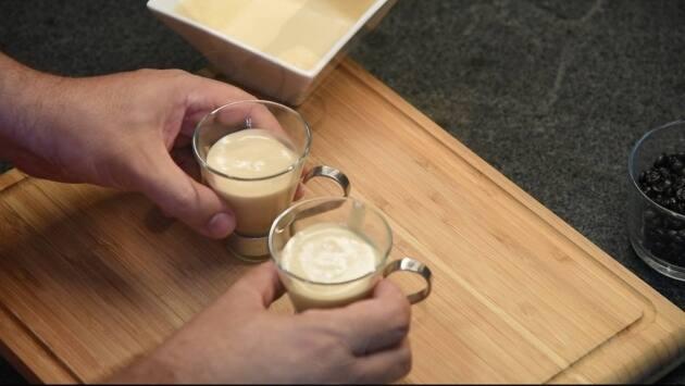 Mousse café. Paso 8
