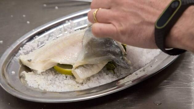 Dorada a la sal con cítricos