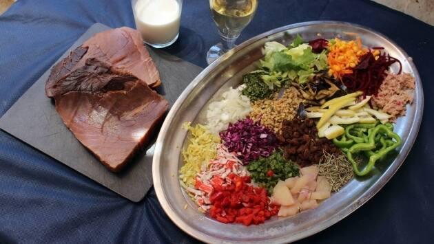 Receta atún a la brasa en salsa juliavitaChiringuito La Caleta, Alicante, cocina mediterránea, receta, receta de atún, atún a la brasa, Receta de pescado