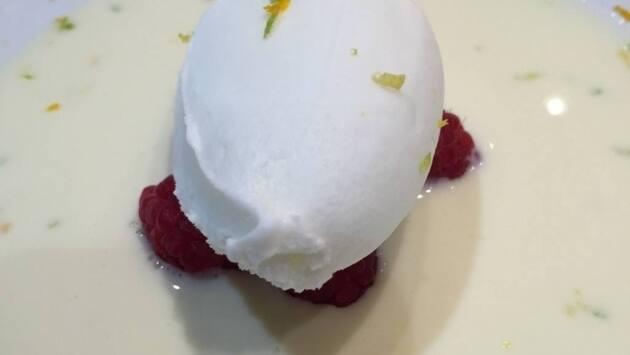 Sopa de chocolate blanco. El Txoko de Luis Salinero