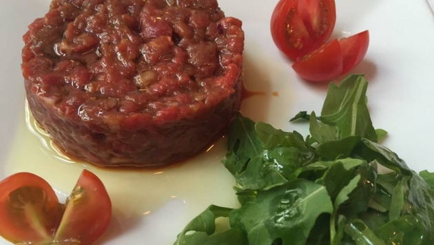 Merci. Steak tartar
