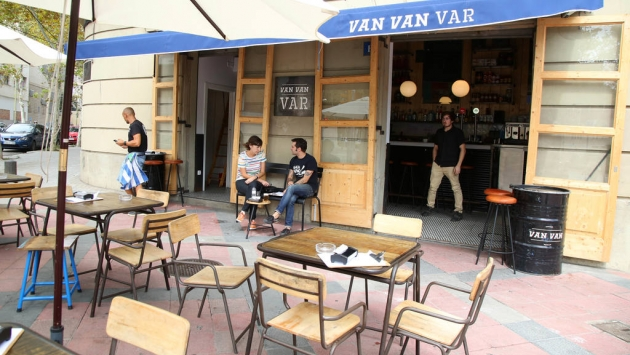 Van Van Var