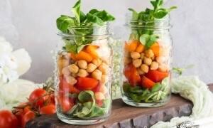 7 deliciosas recetas para hacer una ensalada de legumbres