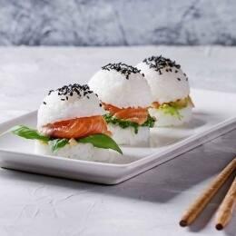 Formas originales y divertidas de comer sushi