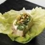 Saam de panceta con hierbas frescas, mayonesa de encurtidos y kikos