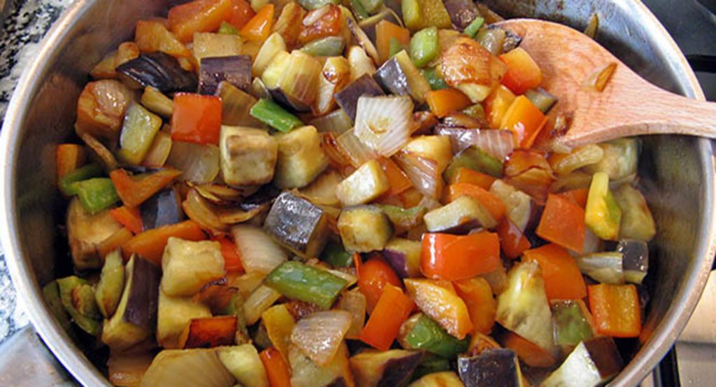 Samfaina pisto ratatouille 100 dieta mediterr nea - Cocinar verduras para dieta ...