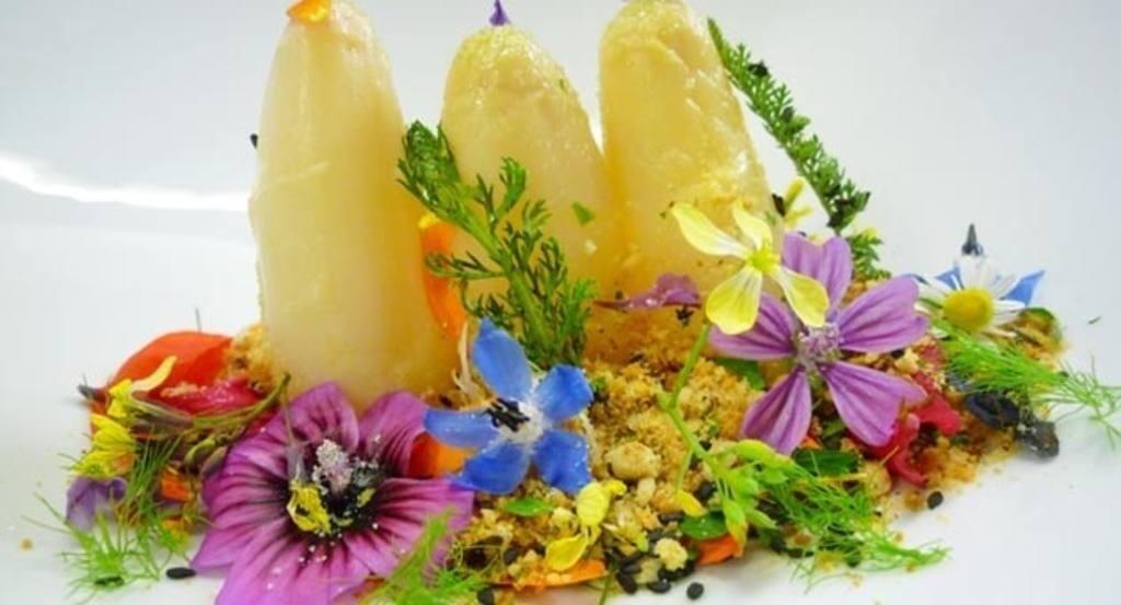 Cocinar con flores consejos y una colorista y sabrosa - Flores para cocinar ...