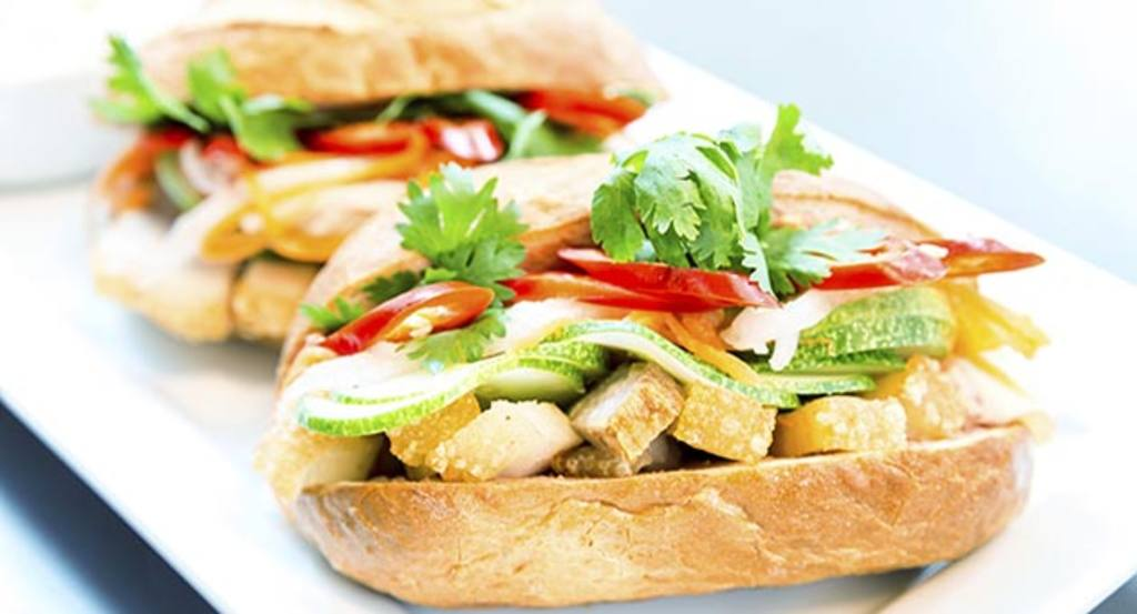 10 recetas de 39 finger food 39 o la moda de comer sin for Cenas frias canal cocina